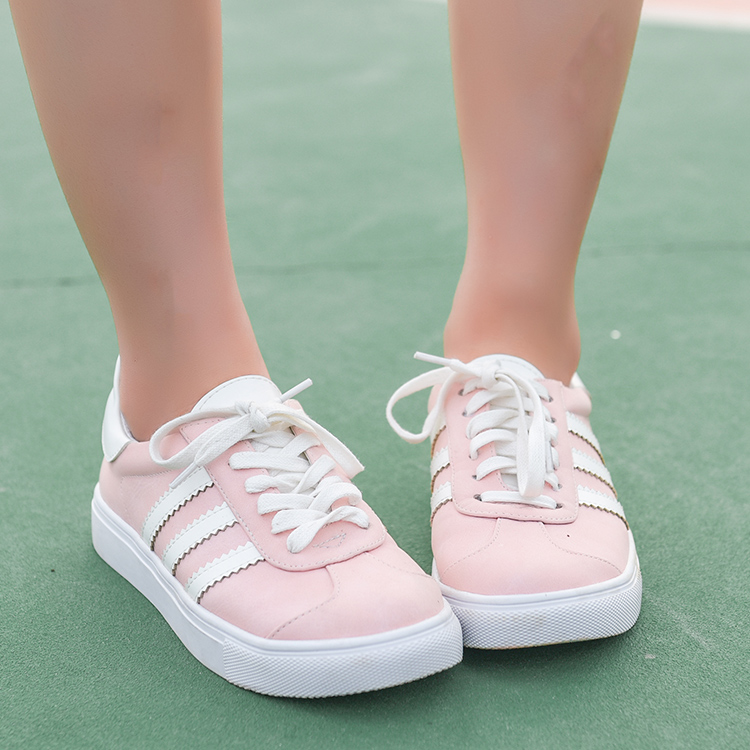 Giày nữ màu hồng phong cách ngọt ngào