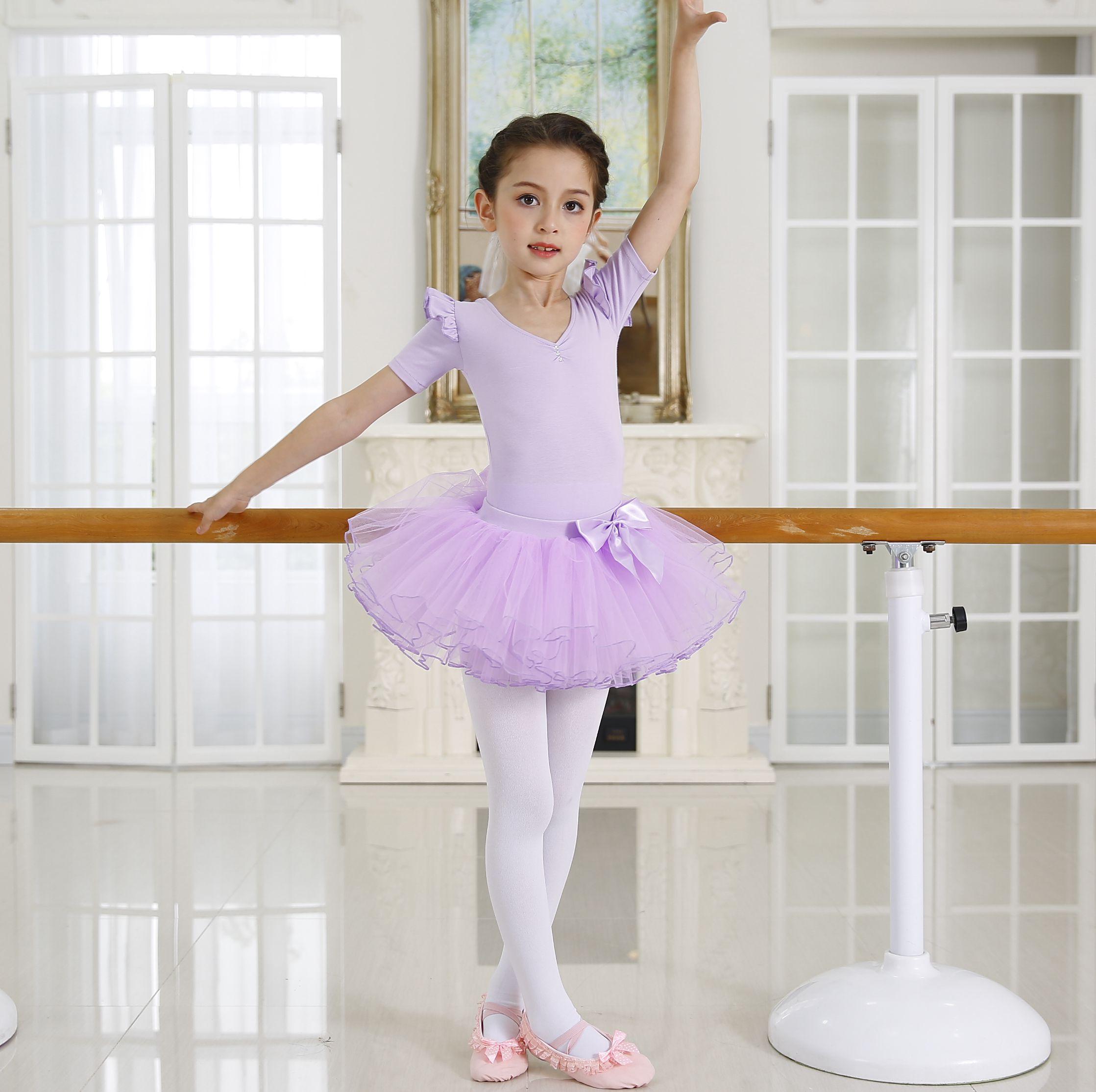 Цвет: Фиолетовый (короткий рукав), спортивный костюм + юбки