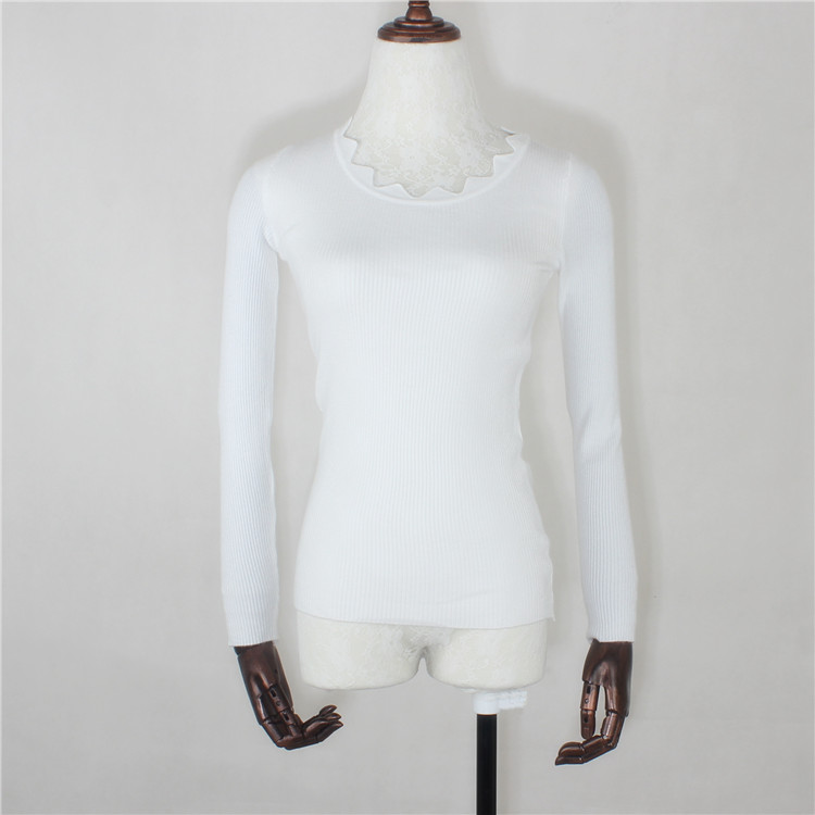 Color classification: White wavy collar knit sweater