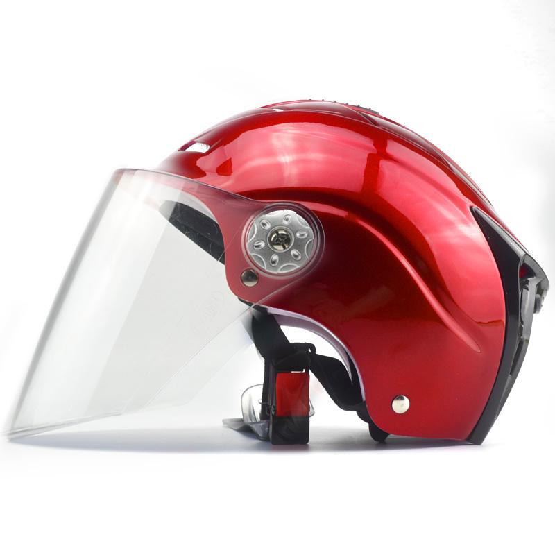 Цвет: Смелый красный и прозрачный объектива
