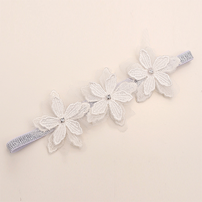 Color classification: Silver three flower silver lace white