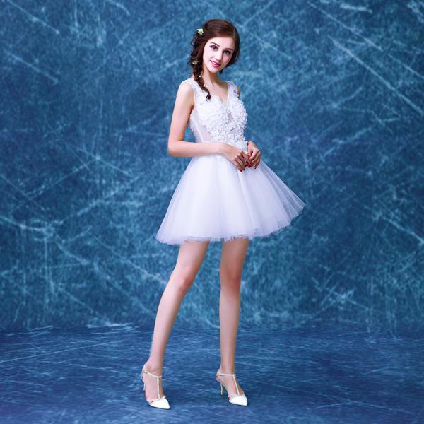 花朵蕾絲深v領伴娘服短款公主新娘婚紗禮服2015冬季新款015