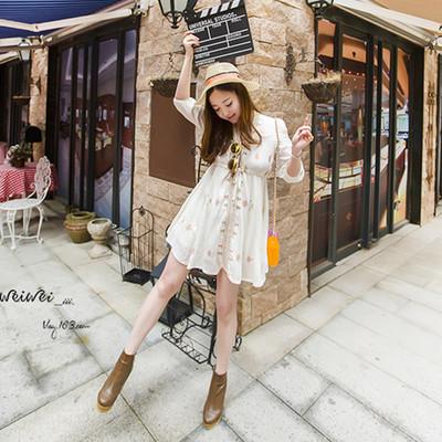 夏季新款海边度假沙滩裙甜美显瘦波西米亚短裙V领刺绣棉麻连衣裙