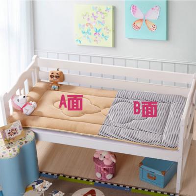 儿童幼儿园床垫婴儿珊瑚绒床褥幼童4d竹炭透气防螨