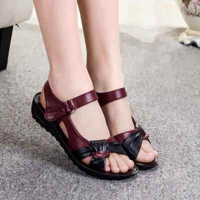 夏季大码妈妈凉鞋中年妇女鞋35-40-45-50岁中老年休闲沙滩鞋