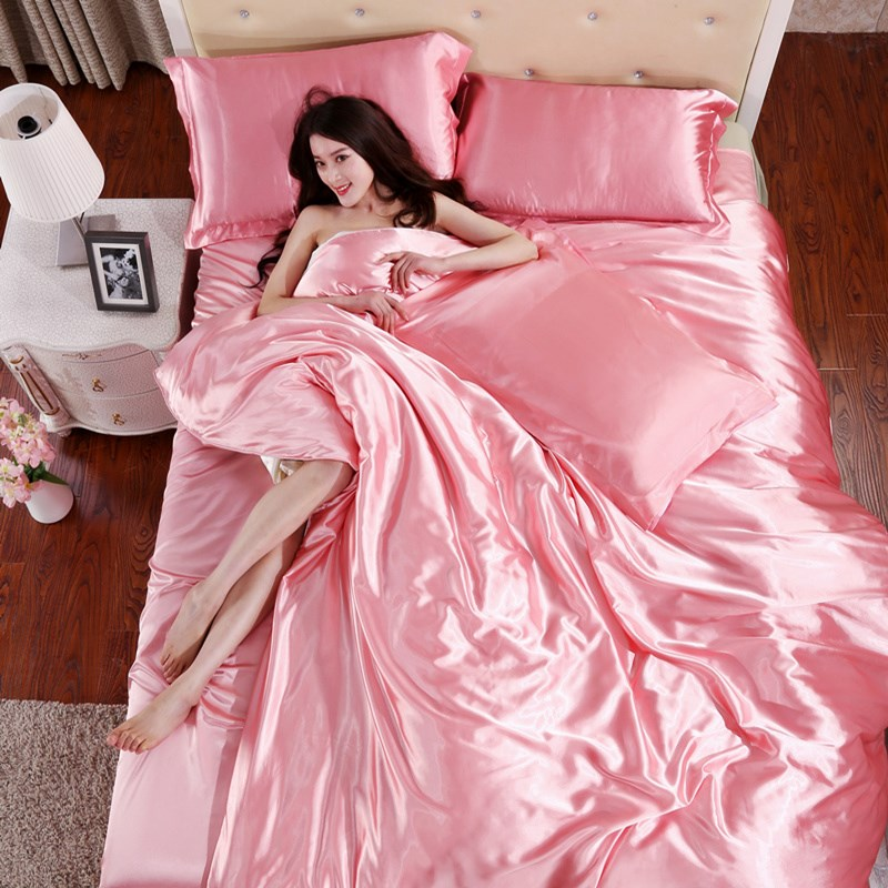 In the summer of four sets of pure silk satin silk quilt naked wedding celebration Tencel silky sheets 4 piece plain