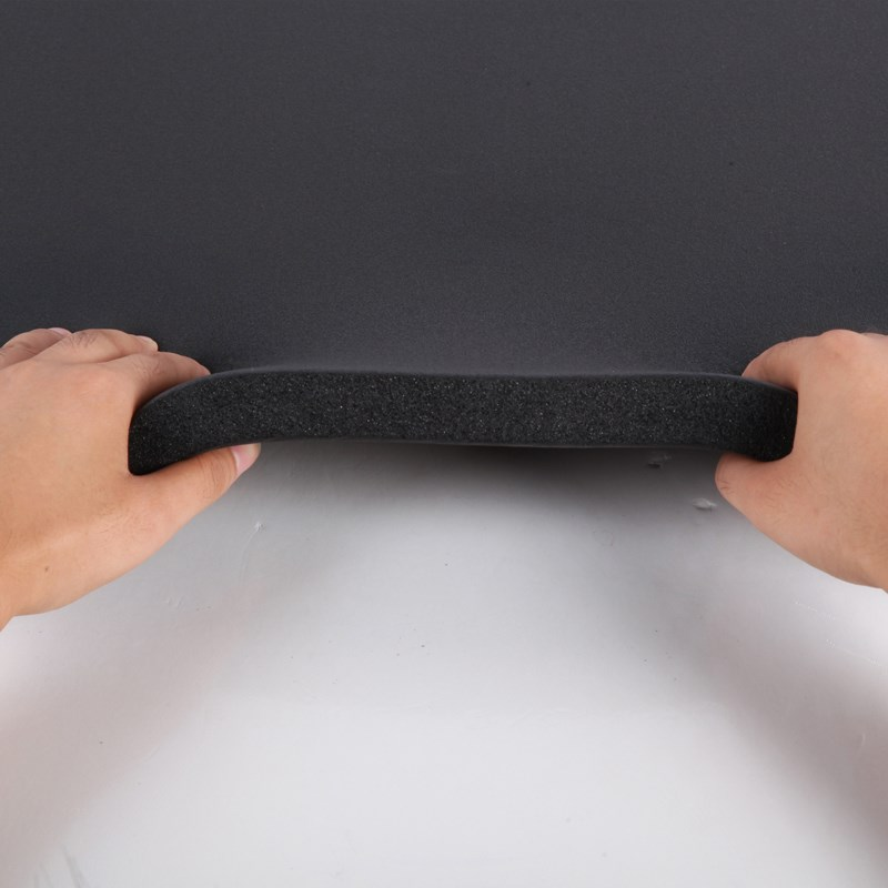 De la fibre de verre en feuille d'aluminium d'une plaque de caoutchouc isolant acoustique pour automobile est de 10 mm de coton d'isolation ignifuge de coton de coton d'isolation thermique, d'isolation thermique et acoustique