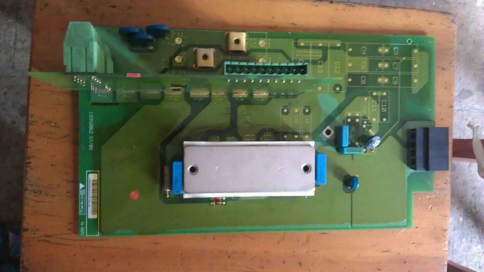 ダンフォスインバータVLT2800シリーズ、整流DDB6U104N16RR、195N2062DT / 05