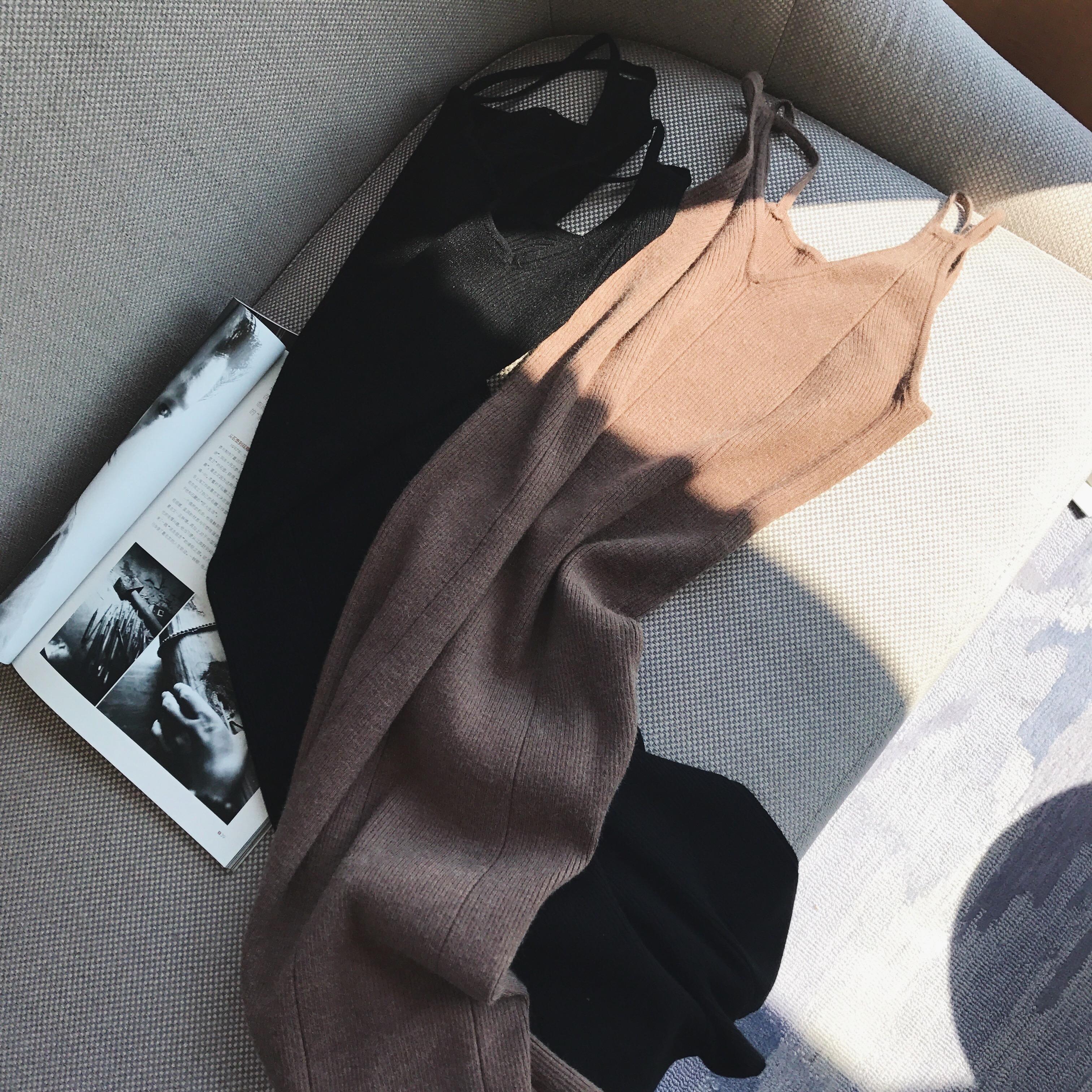 【限时秒杀】纯色v领针织吊带连衣裙女中长款修身显瘦a字裙