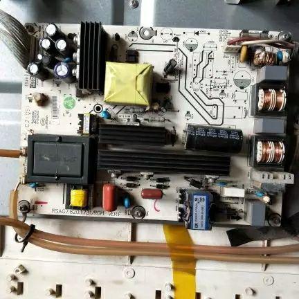 Original démonter Hisense TLM32V68A de télévision à affichage à cristaux liquides de type plaque de voir