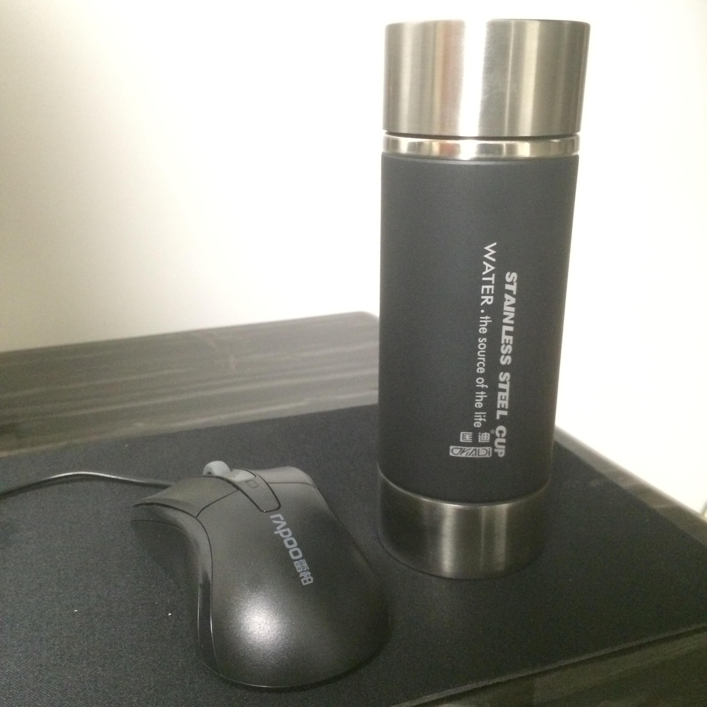 お土産はビジネスカップ男性の旅行には、ステンレスの真空保温カップのオフィスカップ