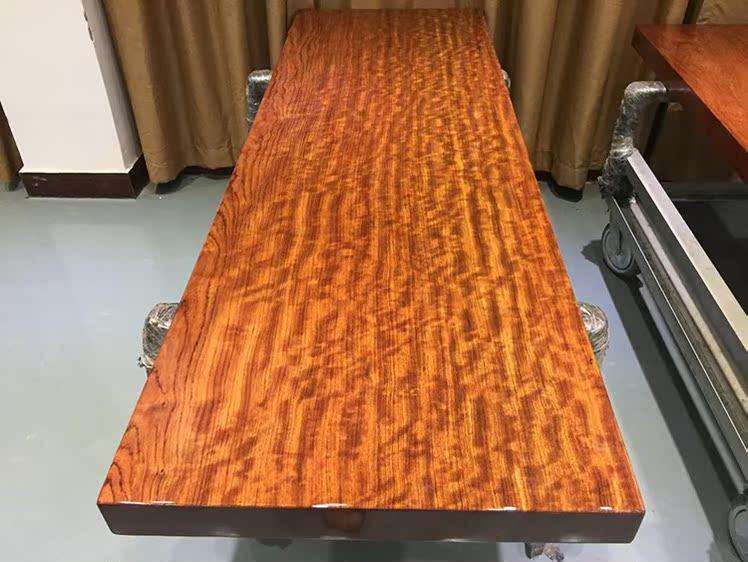 Bar fleur au comptant de la table table table table de dalle dalle en rondins de bois d'acajou 200 * 65,5 * 7