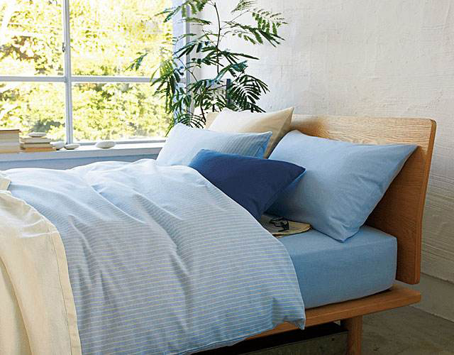 MUJI bed Nordic European solid wood bed 1.5m1.8m small apartment, modern simple white oak double bed single bed