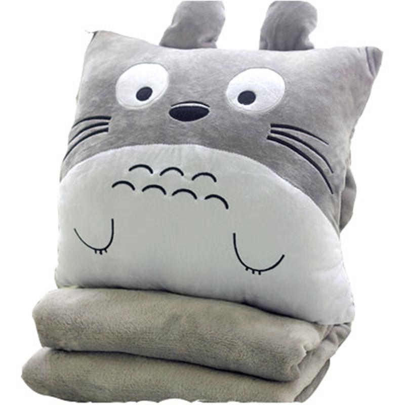温かい手で昼寝をして、枕室に枕室をかけて枕にした3畳の4を抱え込まして寝て