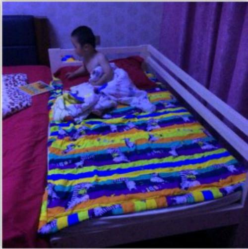2017新品包郵幼児児童ベッドベッド松木床材のベッドを長く広くベッドのサイズが大きい赤ちゃん護