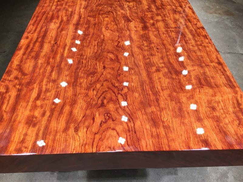 Bar fleur de dalles de table à thé de vent à double usage table à thé bien Arts nordique de planches de bois massif, le Brésil en rondins de bois de rose