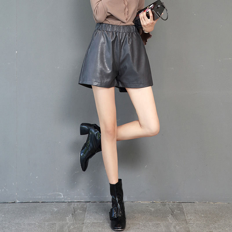 2017 all-match leather leather shorts female winter elastic thin waist a word wide leg loose trousers and boots and big yards to wear