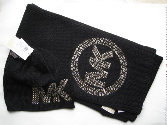Shanghai spot Michael Kors hat scarf two sets