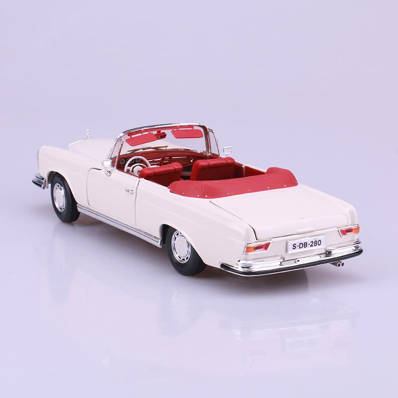 Maisto 1:181967 Mercedes Benz 280SE alloy vintage car models simulation of static.