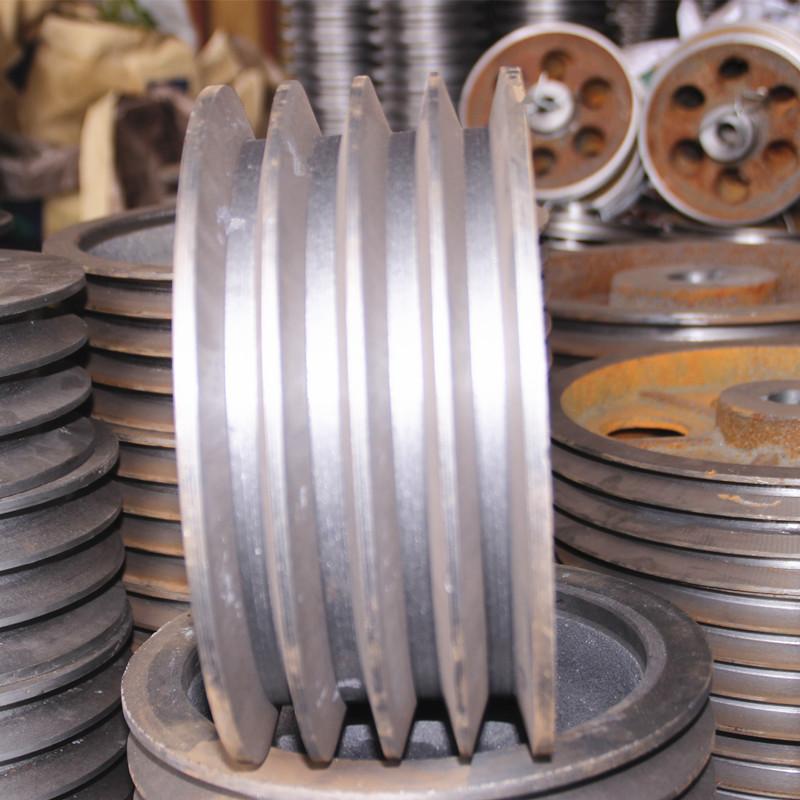 مثلث حزام عجلة السيارات الحديد الزهر بكرة نوع ثلاث فتحات / ع قطر 130-300mm (فارغة)
