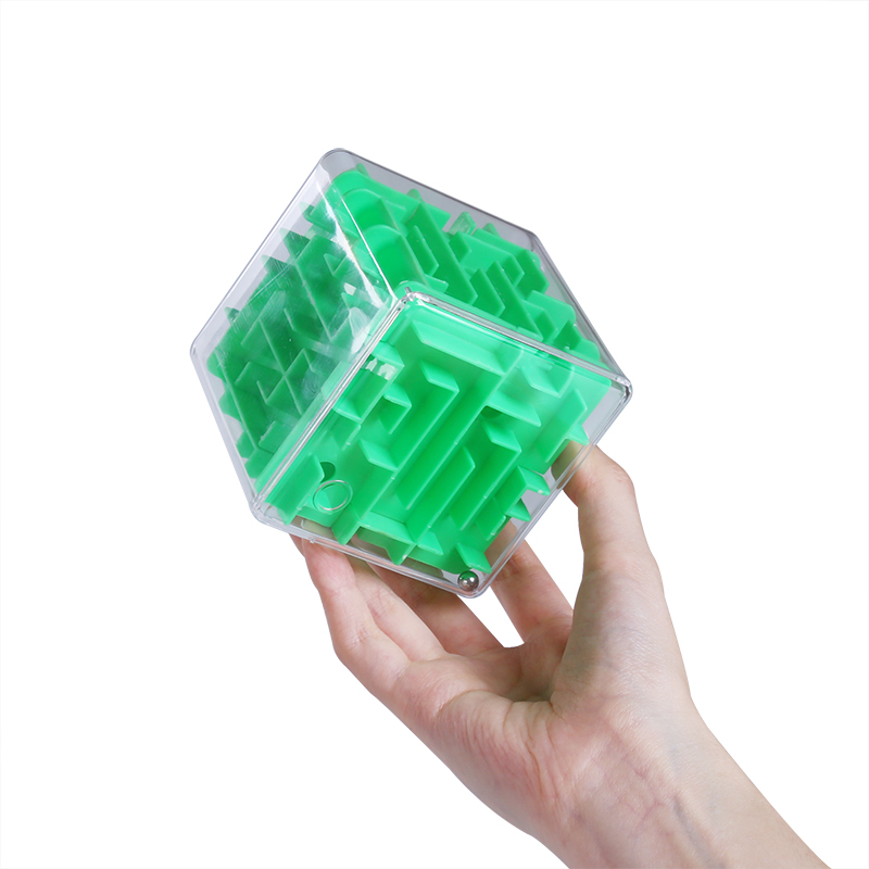Six pass through a maze 3D cube ball ball children toys Yi intelligence magic ball 3-6