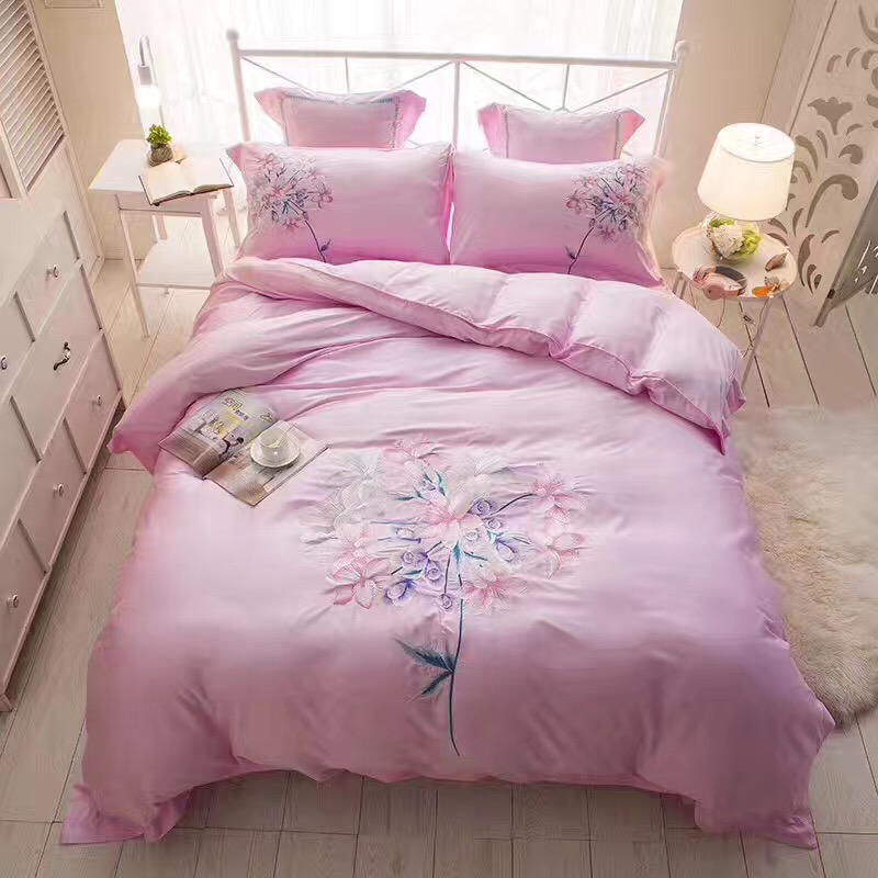 The new European Tencel four piece 60 double-sided embroidery lace summer silk bedding slip naked 1.8m