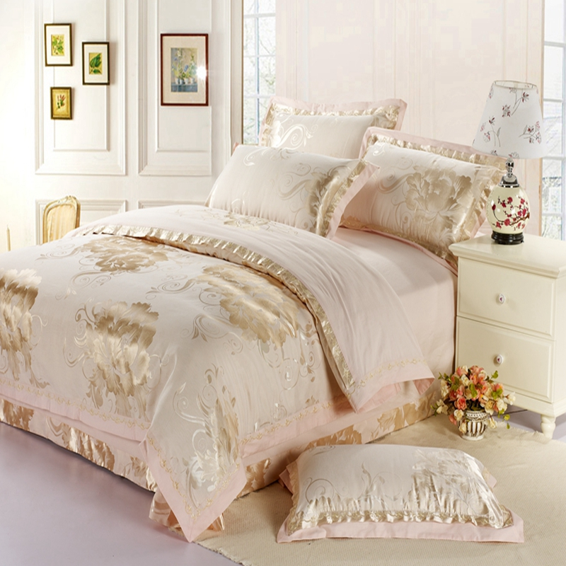 Colorful silk bedspread four piece jacquard fashion linens four piece wedding palace luxurious red