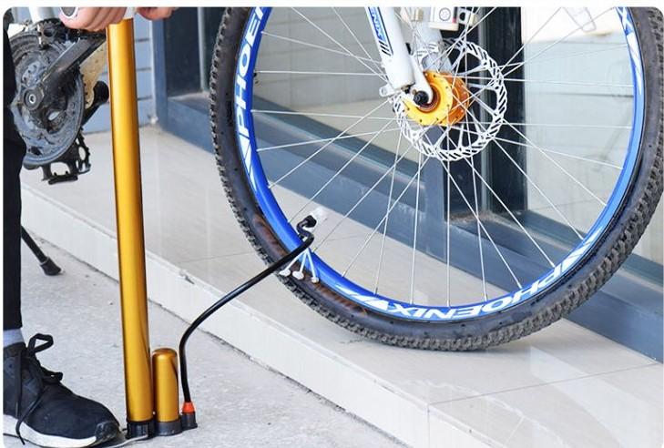 จักรยานสูบน้ำแรงดันสูงแบบพกพามินิในบ้านบอลลูนไฟฟ้าแบตเตอรี่รถสกู๊ตเตอร์ inflatable กีฬาบาสเกตบอล