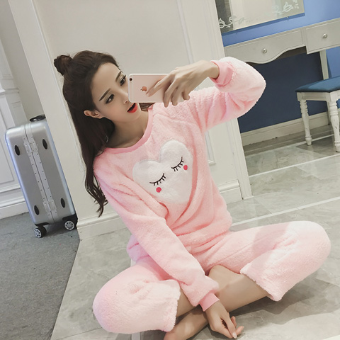Every day, the New South Korean special offer Plush pajamas coral fleece two suit female winter warm Home Furnishing long sleeved clothes
