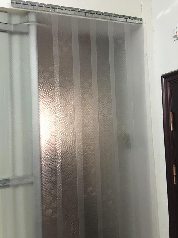 Cold storage refrigerator car dedicated soft door curtain antifreeze PVC plastic transparent door curtain door resistance to low temperature