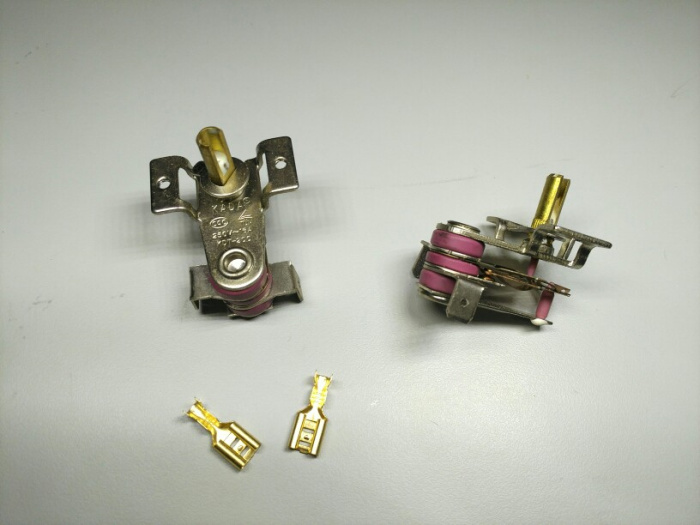 Pakje post en telecommunicatie elektrische verwarming en gas oven olie verwarming. De thermostaat twee metalen platen thermostaat -