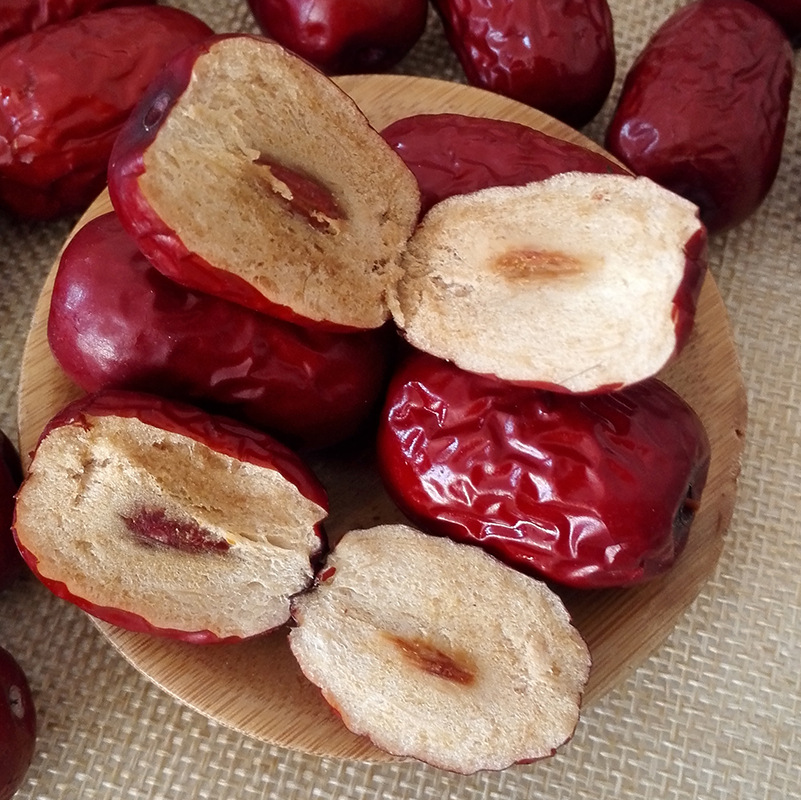 Xinjiang Qiang Ruoqiang jujube jujube red dates 500g disposable bag mail jujube leisure snacks dumplings dried red dates