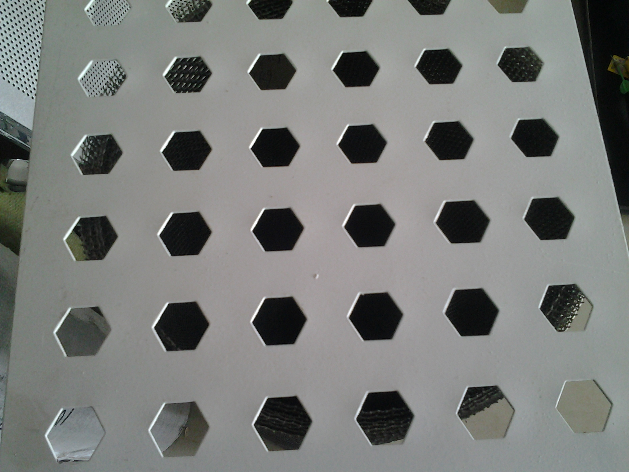304ステンレス六角打抜き網亜鉛板打抜き穴網篩板マイクロプレート円孔