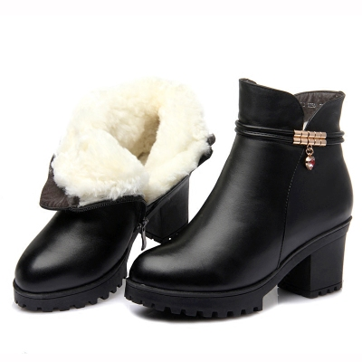 冬季真皮女棉鞋保暖加厚羊毛靴防滑粗跟妈妈棉鞋短靴中跟工装女鞋