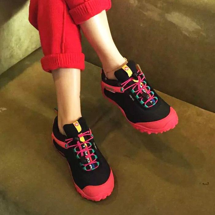 麦乐户外鞋男登山鞋女秋冬防水透气防滑徒步鞋户外鞋酷动城旅游鞋