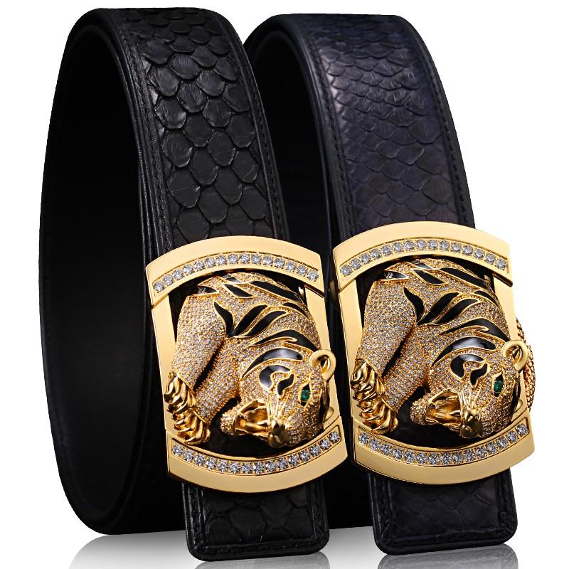 日本で購入YY虎高級パイソンの紳士ベルト真皮編みベルト镶钻男性の金の虎頭平滑ボタン