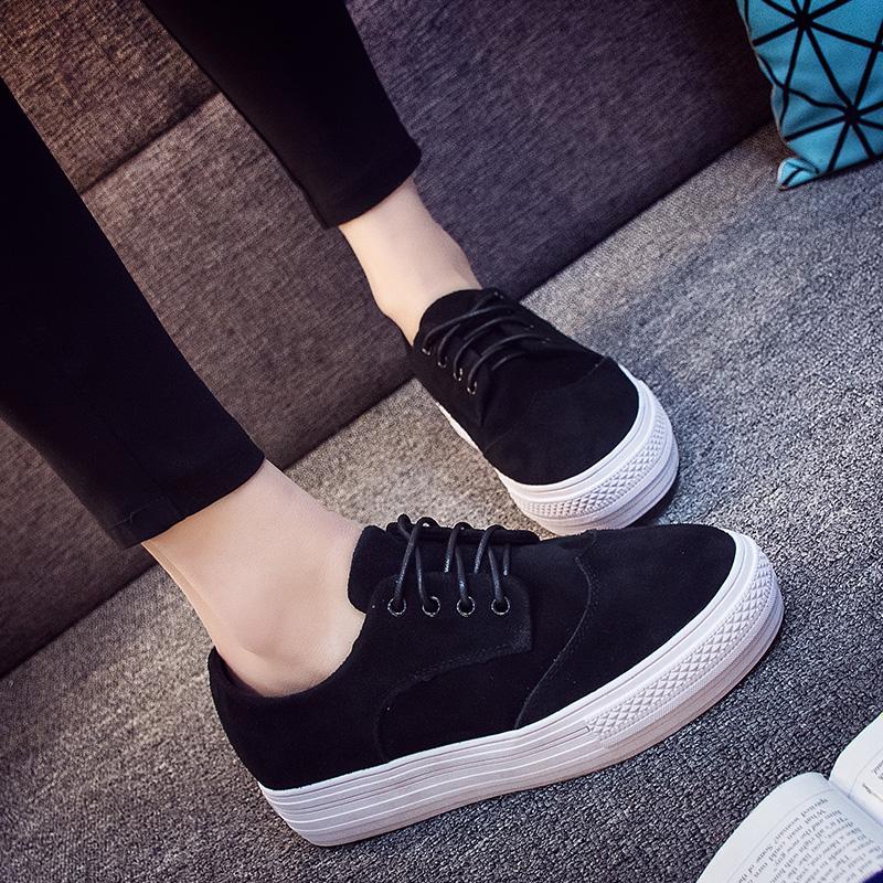 Estación primavera deportiva en Europa, zapatos de cuero de 2017, zapatos de suela gruesa con cordones de los zapatos de plataforma de Nike