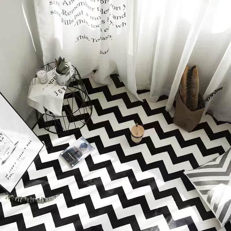 白黒の幾何の北欧の簡約現代イケアのリビングソファーとソファーの寝室の絨毯の寝室はベッドルームのベッドルーム