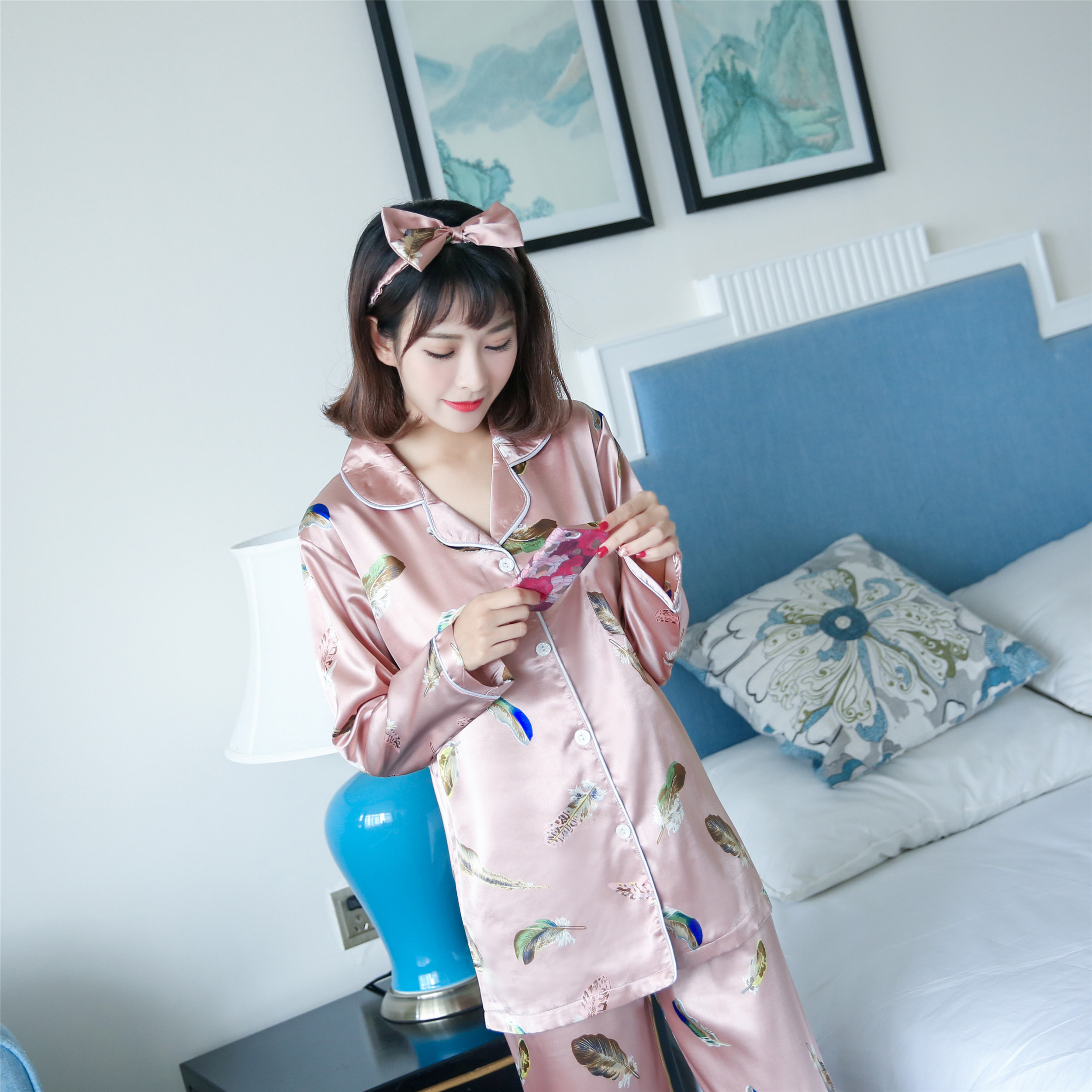 Home Furnishing clothing four sets of Korean silk silk pajamas long sleeved suit maple leaf female send eye to send with autumn