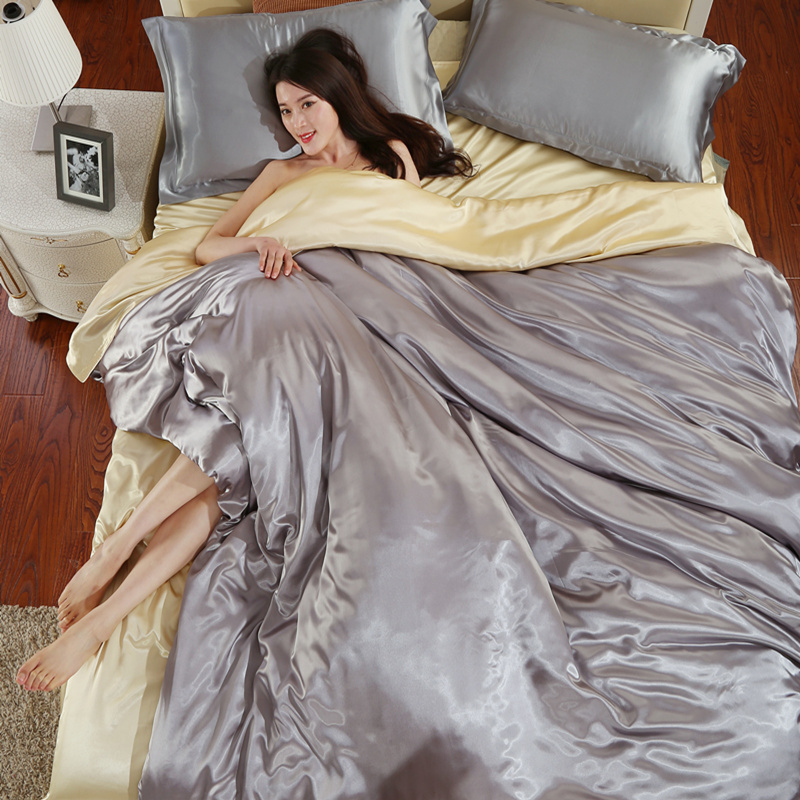Pure silk pajamas to send four sets of summer silk sheets Tencel 1.8m m bed bedding silk quilt
