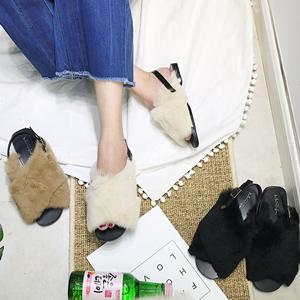 2017年新款真卡兔毛交叉搭扣平跟凉鞋