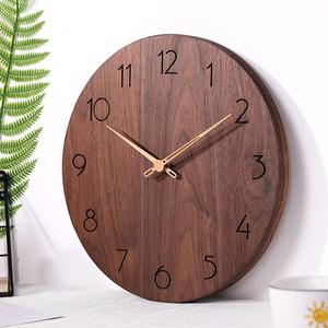 北欧黑胡桃实木挂钟 客厅现代简约家用静音 原木质时钟表卧室创意