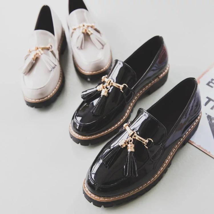 Con zapatos de charol de 2017 de Corea bajo el aire retro de la mujer británica sue cabeza redonda con zapatos de suela gruesa