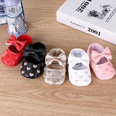 卡通心形经典婴儿鞋子0-1-2岁软底防滑学步鞋公主鞋宝宝鞋休闲鞋