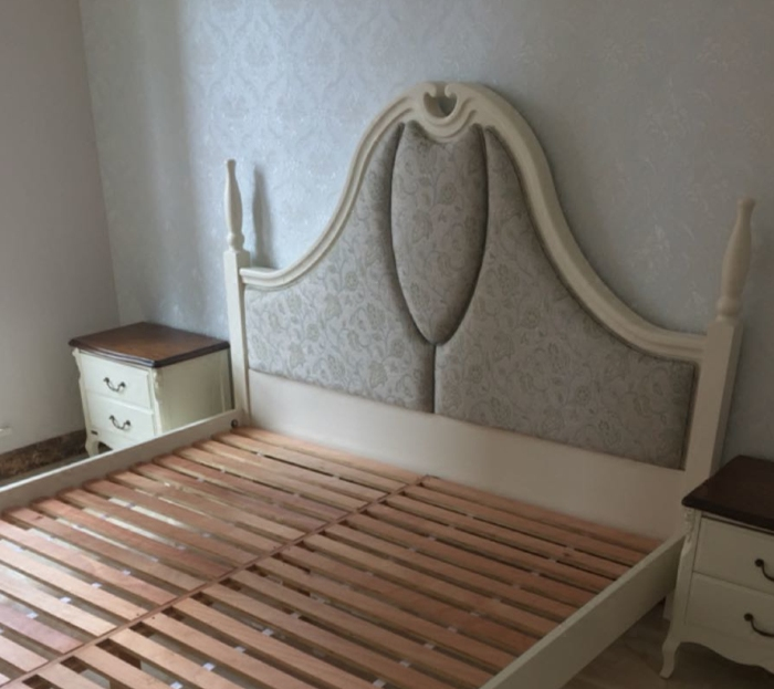 Authentic Hongkong Royal Furniture, Nordic style series of solid wood furniture M8A004 soft double bed