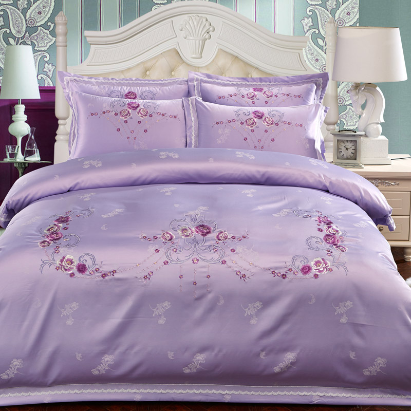 South bedroom decorated luxury provided four sets of Tencel Jacquard Satin Embroidery embroidery cotton simple red wedding thorn