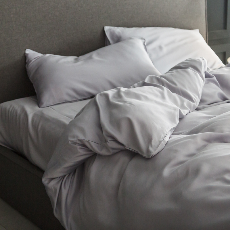 A set of four 60s pure Tencel Tencel 4 piece simple plain double-sided super soft skin and bedding