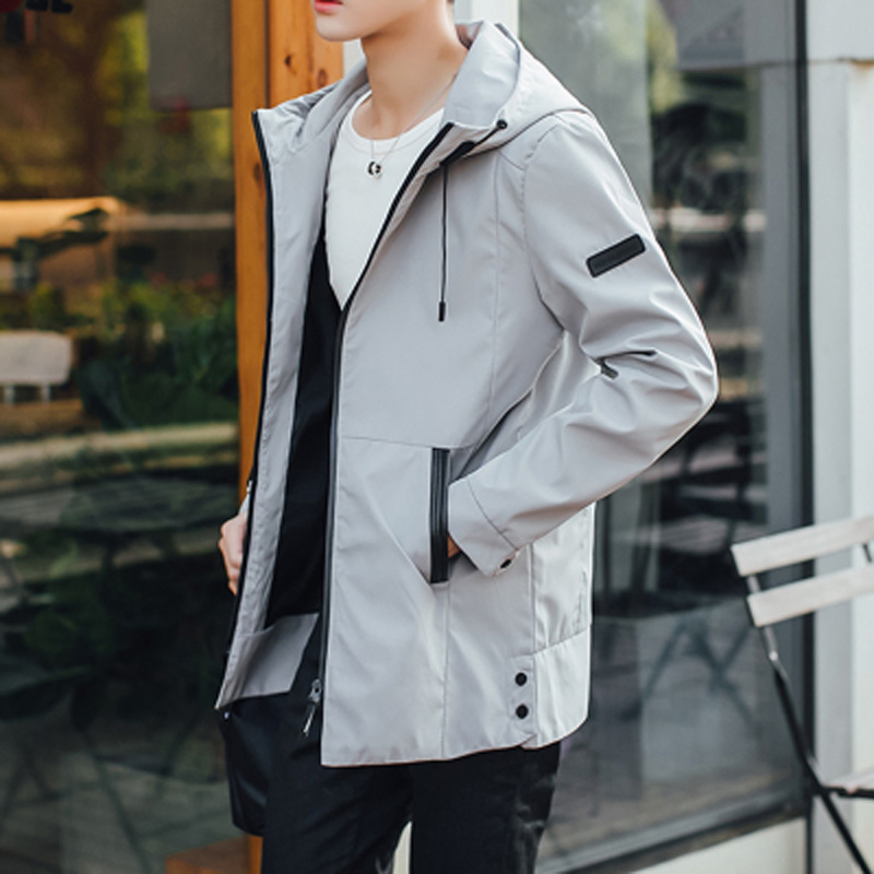 през 2017 г. пролетта и есента в дълго яке модна тенденция на корейски мъже нов красив млад човек.