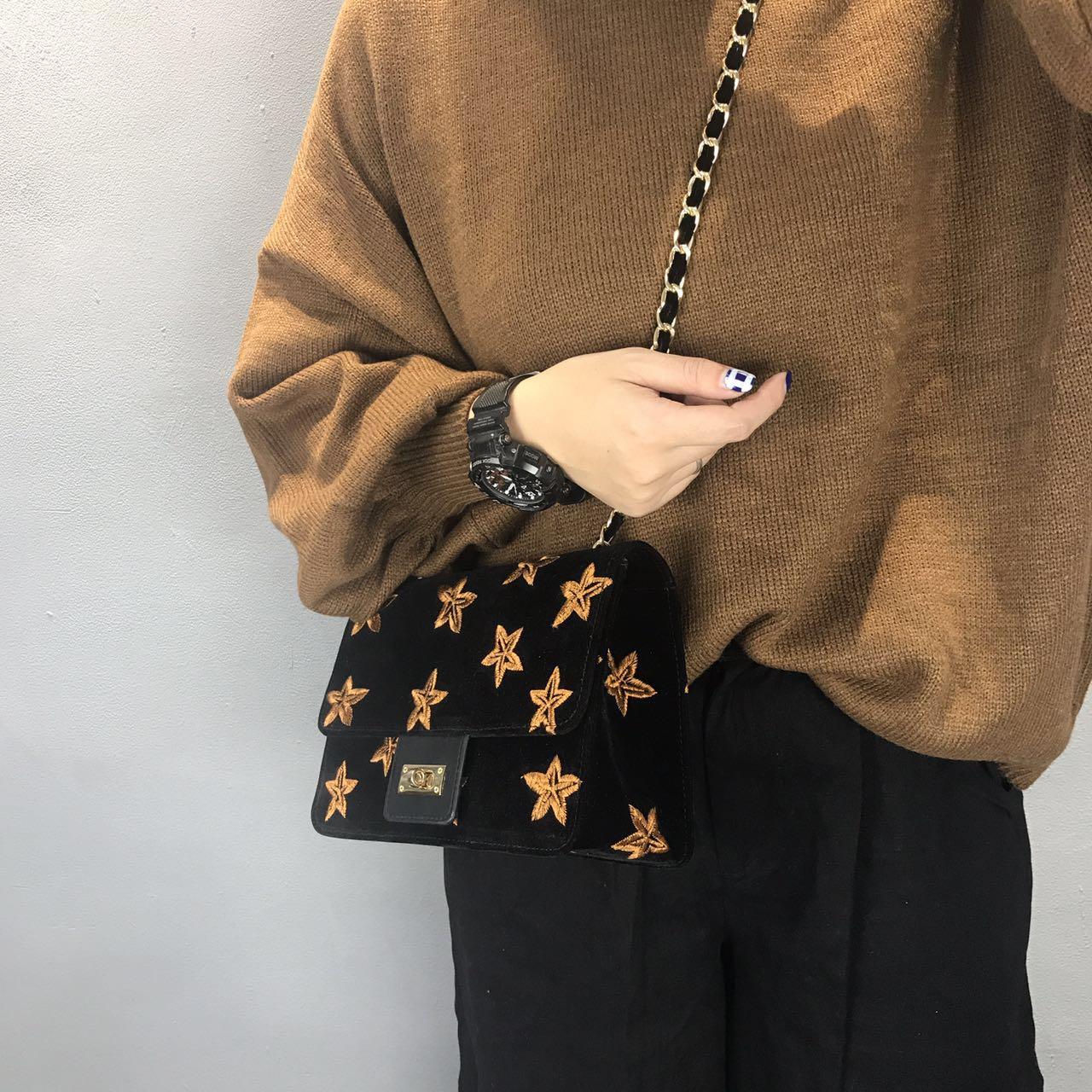 包包女2017新款韩版时尚锁扣小方包简约个性刺绣单肩斜跨链条包潮