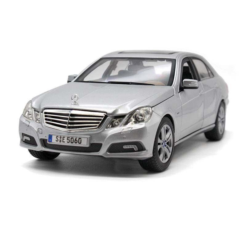 Maisto Benz 1:18E-class alloy toy car model car of static simulation